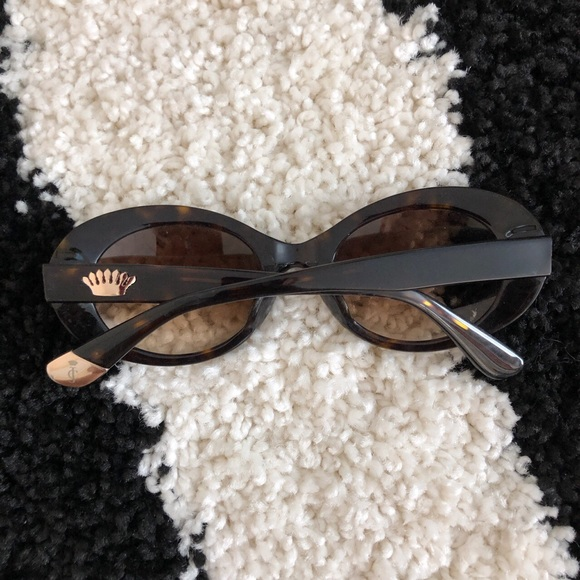 Juicy Couture Accessories - juicy couture sun glasses 🖤